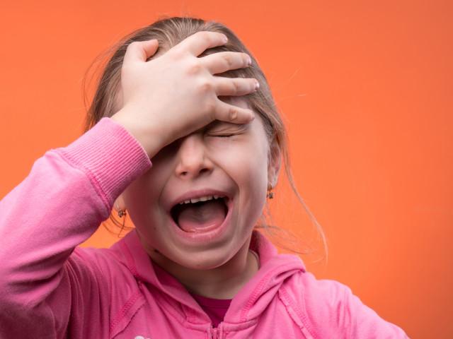 Como ensinar autocontrole para crianças?