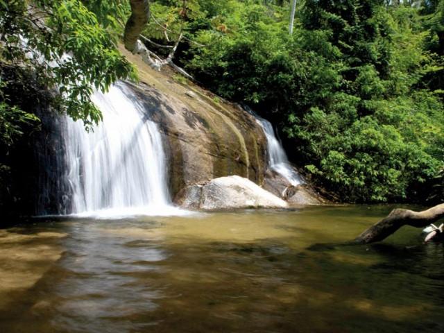 Cachoeira dos Três Tombos em Ilhabela!