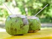 Água de coco hidrata e oferece mais energia!