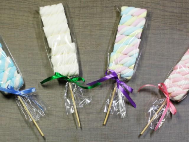 Aprenda a fazer Espetinhos de Marshmallow com Fini