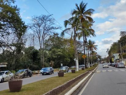 """Mercadinho Piratininga participa do Programa """"Adote uma Praça"""" na cidade de Paraibuna!"""