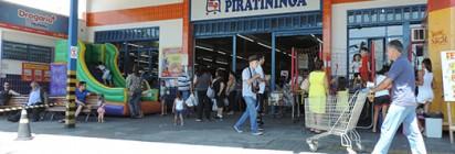 Confira as fotos do Dia das Crian�as no Mercadinho Piratininga!