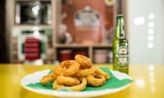 Anéis de Cebola com Cerveja Heineken