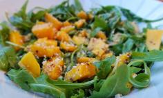Salada de rúcula com manga e canela!